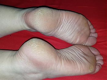 Nice soles pose 28