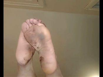 Dirty ass feet