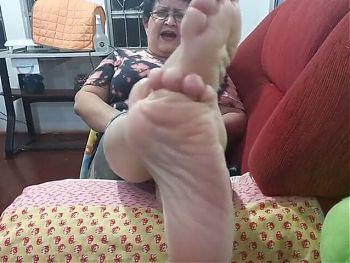 Brazilian MILF Feet