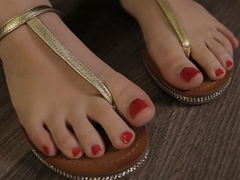 Golden Sandals and Red Toes get creamed