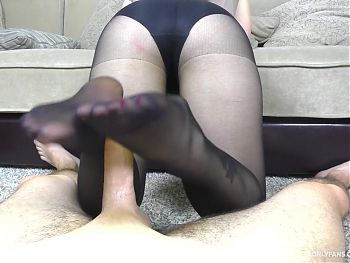 Teen Handjob and Footjob Big Ass Nylon Pantyhose