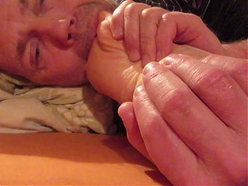 Sucking my wifes toes early in the morning