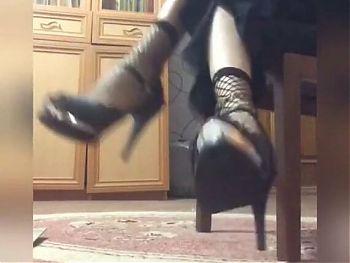 Iranian mistress teaches wearing a hijab (fishnet socks)