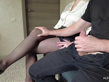 I pull out my cock in front of the secretary in pantyhose